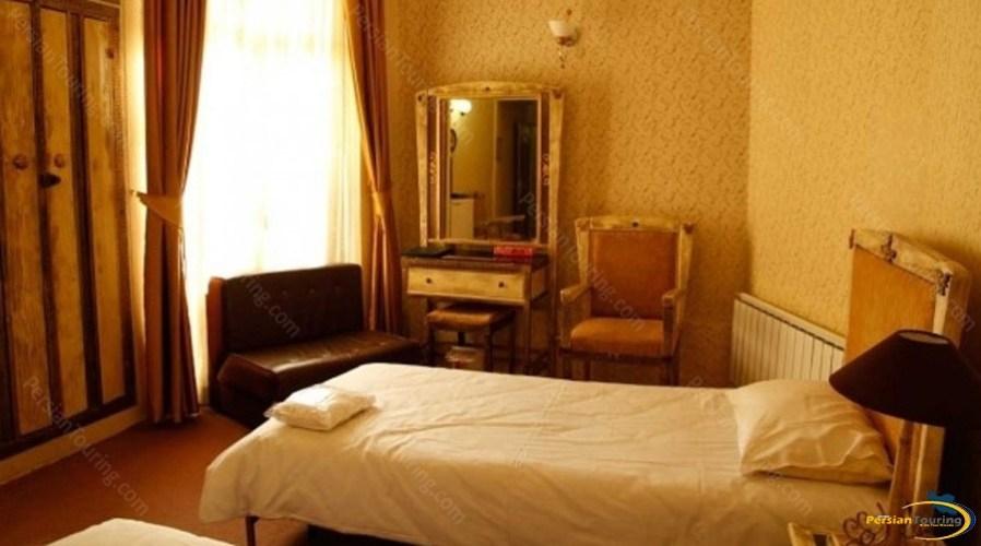 bolour-hotel-tehran-twin-room1