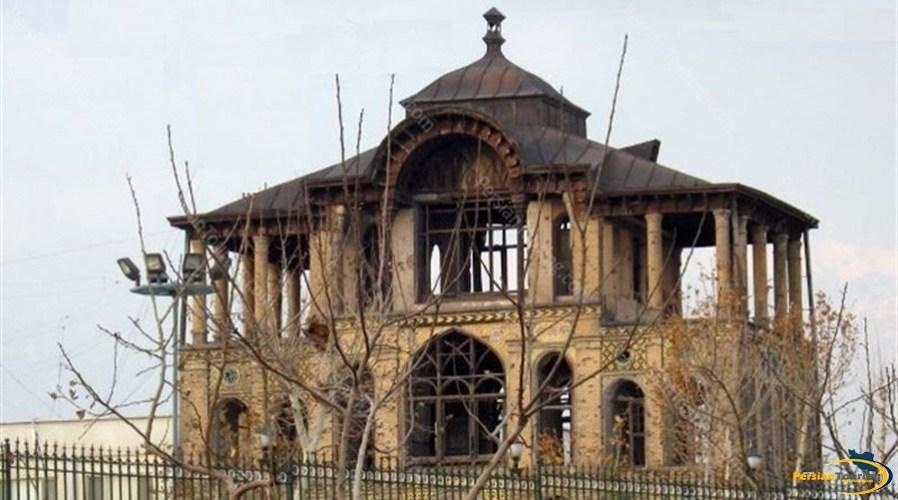 eshrat-abad-palace-and-garrison-3