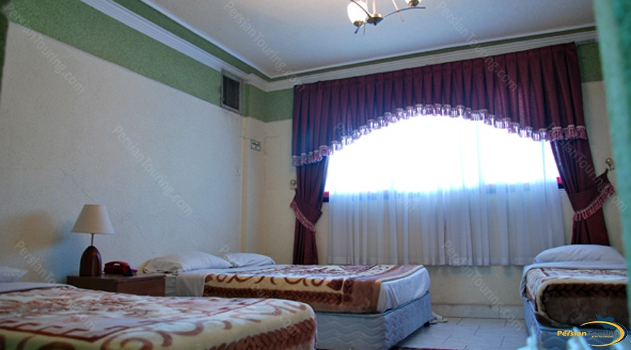 razi-hotel-tehran-quadruple-room-1