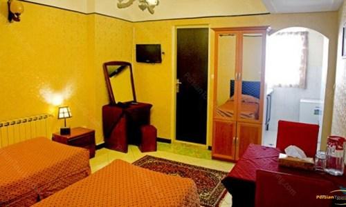 razi-hotel-tehran-twin-room-3