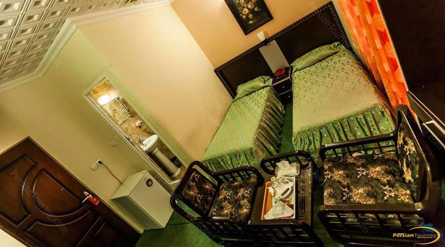 saadi-hotel-tehran-twin-room-1