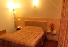 saina-hotel-tehran-double-room-1