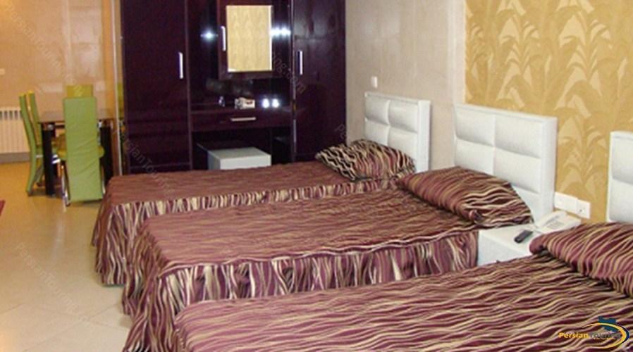 shiyan-hotel-tehran-triple-room-2