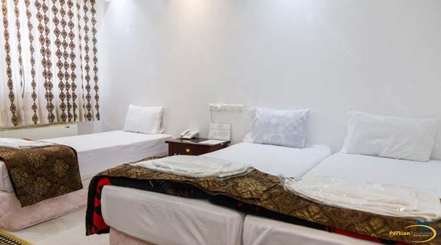 amir-kabir-hotel-kashan-triple-room-3