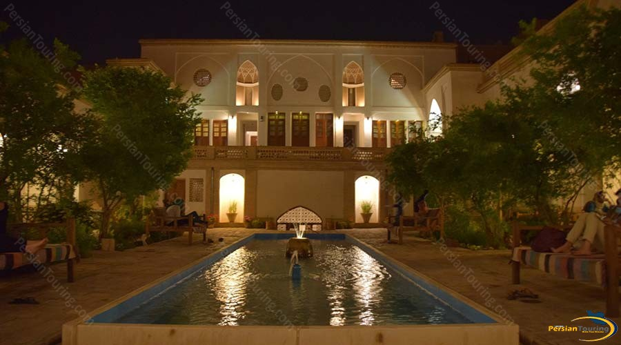ehsan-traditional-hotel-kashan-view-2