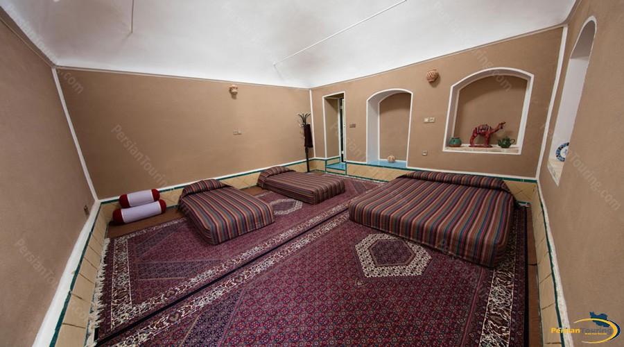 quadruple-room-tak-taku-guesthouse-isfahan