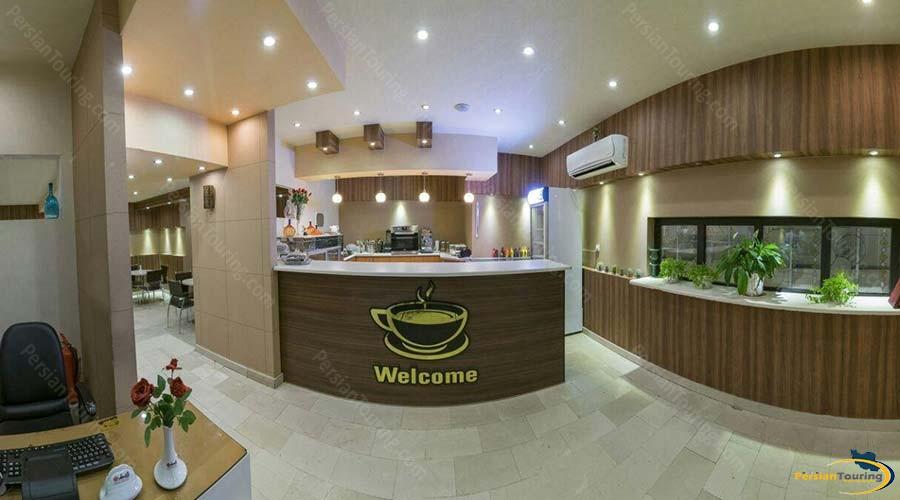 rose-hotel-kashan-cafe-1