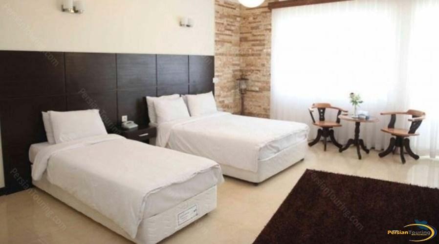 tourist-guest-house-shiraz-luxuri-suite-1