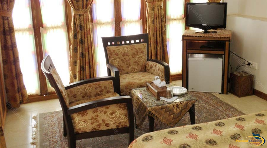 mozafar-traditional-hotel-yazd-double-room-1