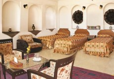 mozafar-traditional-hotel-yazd-triple-room-1
