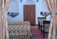 mozafar-traditional-hotel-yazd-twin-room-2