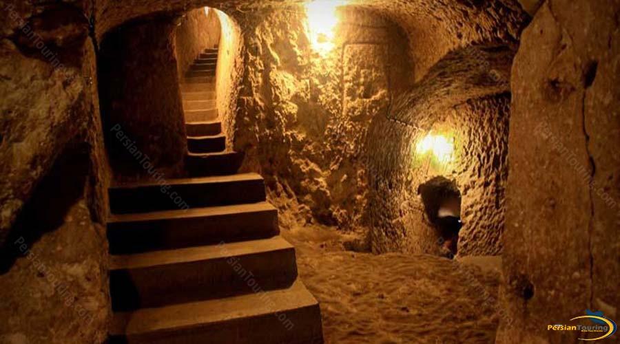 niyasar-cave-2