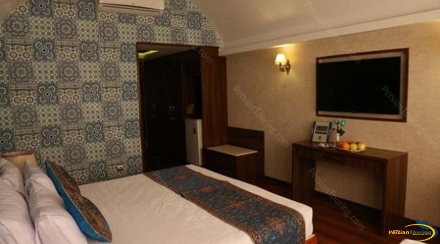 parsian-azadi-hotel-yazd-double-room-1