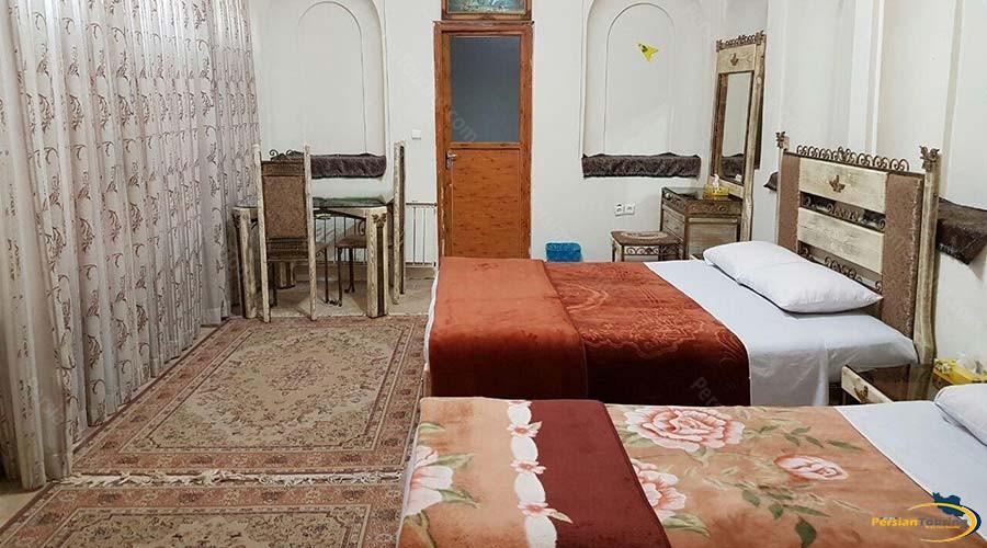 traditional-kohan-hotel-yazd-quadruple-room-1