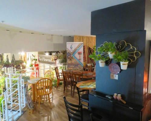 Persicacraft corner shop in cafe shiraz