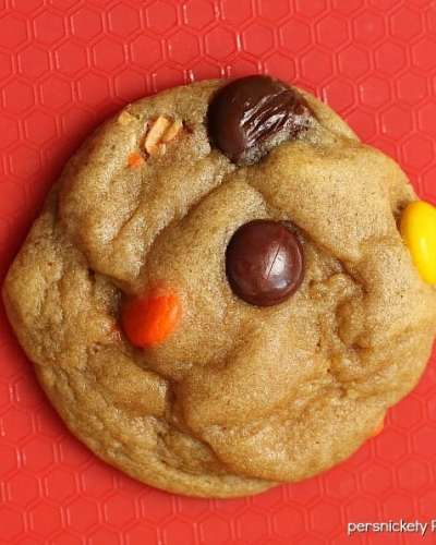 Soft Baked Reese's Pieces Chocolate Chips Cookies | Persnickety Plates