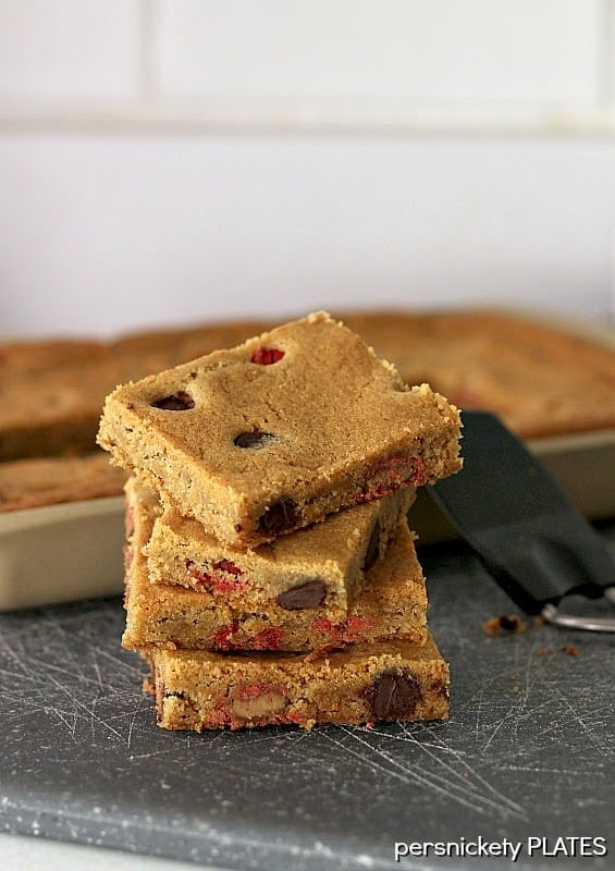 Coconut Oil Cookie Bars stuffed with Dark Chocolate Chips and Peanut Butter M&Ms!   Persnickety Plates