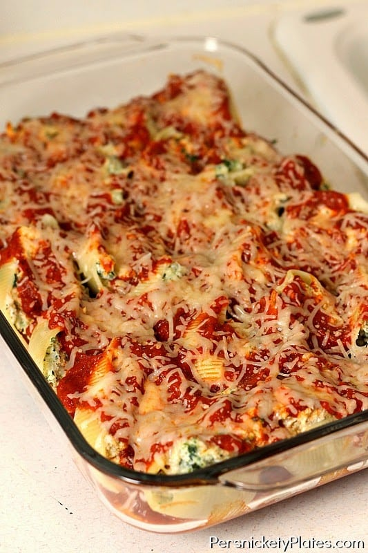 Chicken Spinach and Ricotta Stuffed Shells | Persnickety Plates