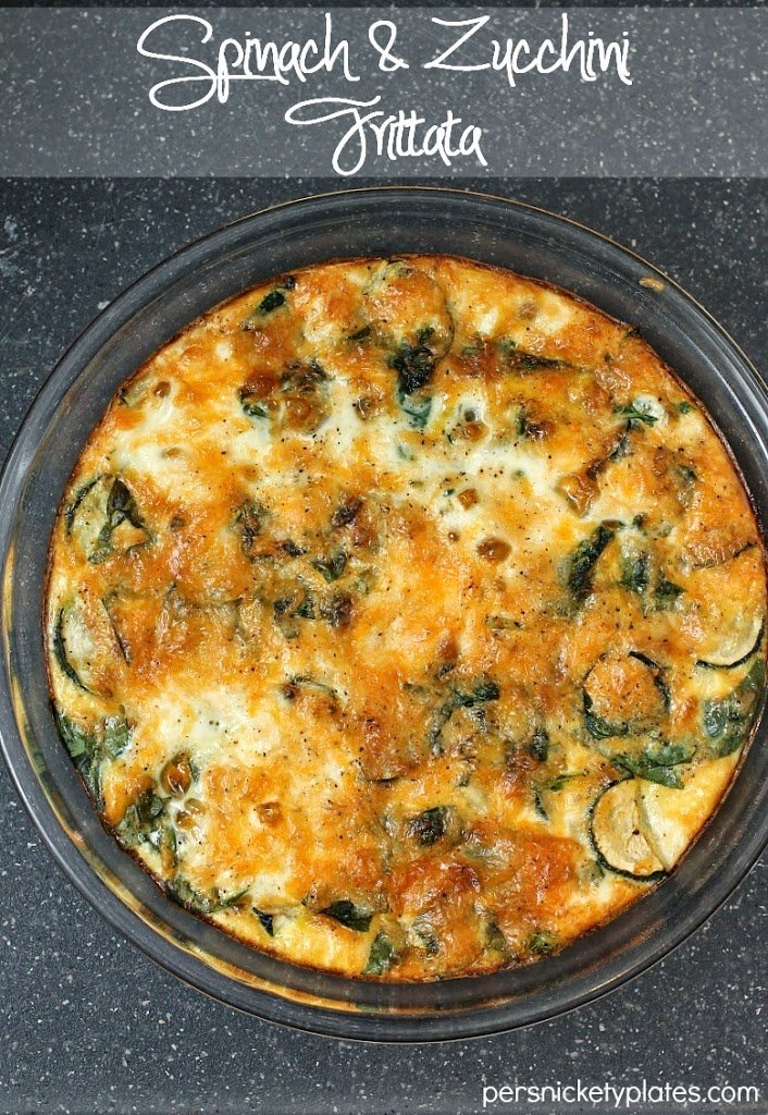 Spinach and Zucchini Frittata - a simple egg & veggie dish that's perfect for breakfast, lunch, or dinner. And it's healthy!   Persnickety Plates