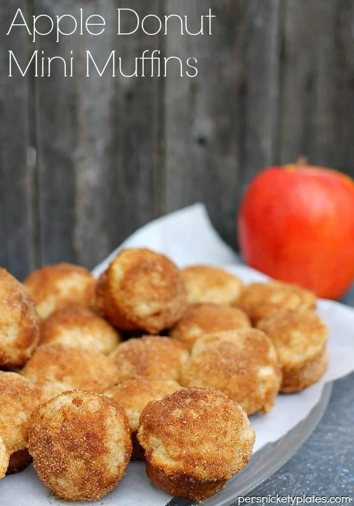 Apple Donut Mini Muffins - Bite sized mini muffins that taste just like cider mill cinnamon-sugar donuts!| Persnickety Plates