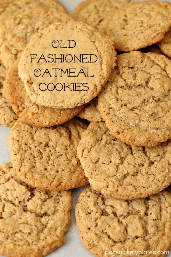 Old Fashioned Oatmeal Cookies. Why buy oatmeal cookies from the store when you make these beauties right at home?   Persnickety Plates via @pplates