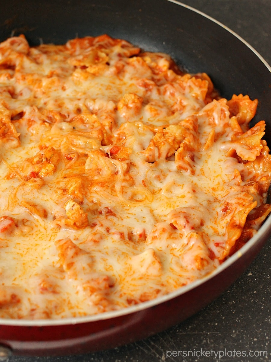 One Pot Cheesy Chicken Pasta Skillet | Persnickety Plates