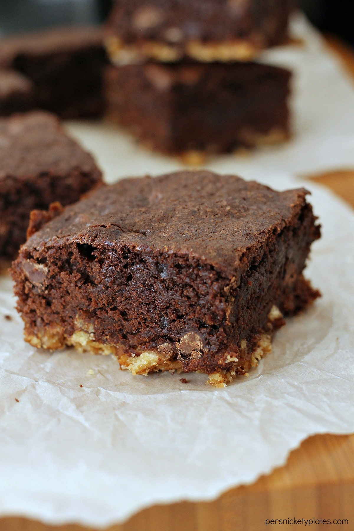 Pretzel Crusted Brownies have a layer of pretzel crust topped with a fudgey chocolate chip brownie. These sweet and salty brownies are a perfect sweet treat!