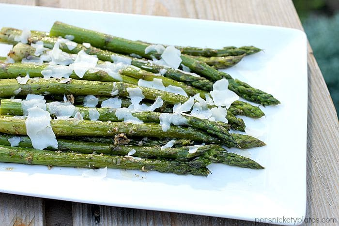 Super simple sauteed asparagus that's full of flavor and can be on the table in 15 minutes. | Persnickety Plates