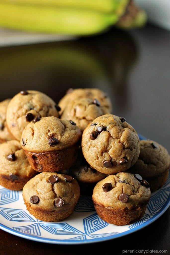 Peanut Butter Banana Chocolate Chip Blender Muffins - a simple, flourless muffin might right in the blender!   Persnickety Plates