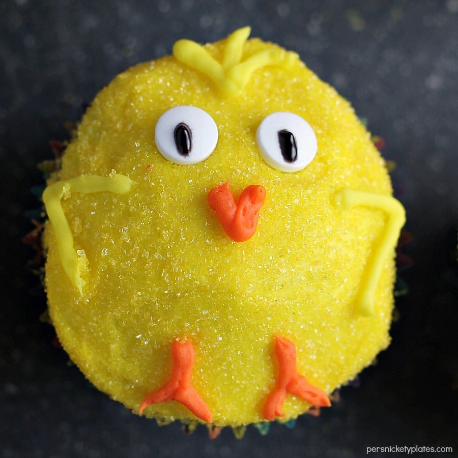 These Spring Chick Cupcakes are an adorable Easter dessert! These easy chocolate cupcakes are sure to be a favorite treat in your household. Perfect for spring, Easter brunch or just any time!