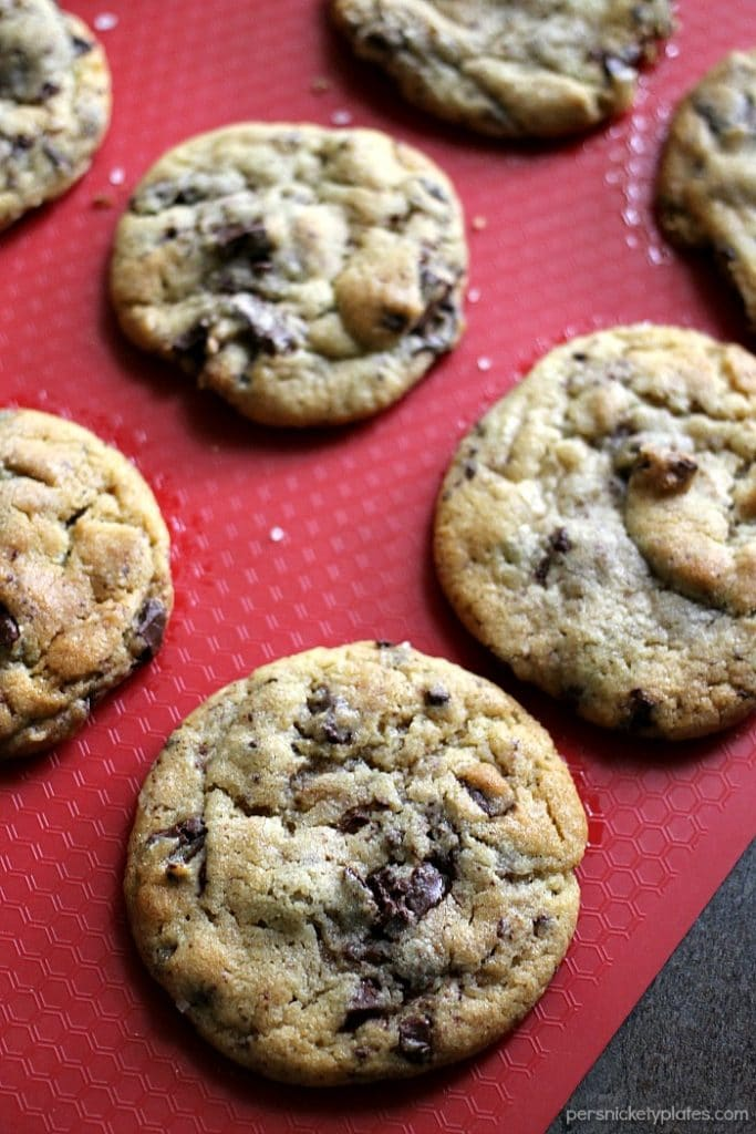NY Times Chocolate Chips Cookies - practice your patience with these cookies since the dough needs to chill for at least 24 hours but they're worth the wait! | Persnickety Plates