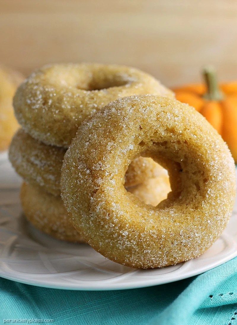 Cinnamon Sugar Pumpkin Donuts are simple because they're baked and they're perfect for the fall season. They also happen to be vegan/allergy-friendly, as an added bonus! | Persnickety Plates