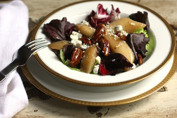 Gorgonzola, Pear & Candied Pecan Salad