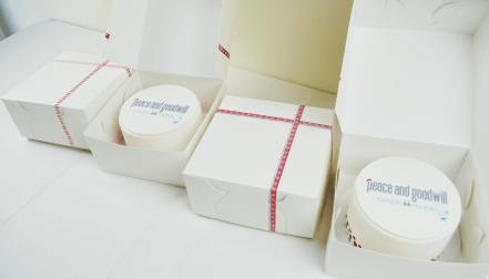 christmas-corporate-cakes-10