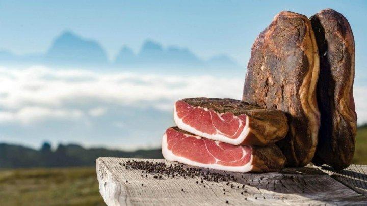 Festa dello Speck Alto Adige a Val di Funes: i sapori di una volta