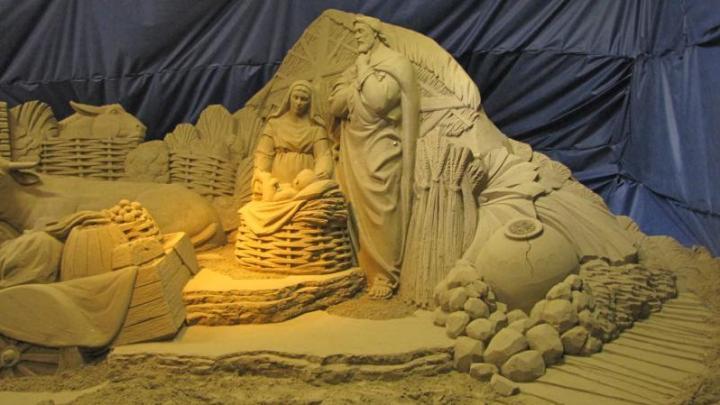 La magia di un presepe di sabbia a Verbania sul Lago Maggiore