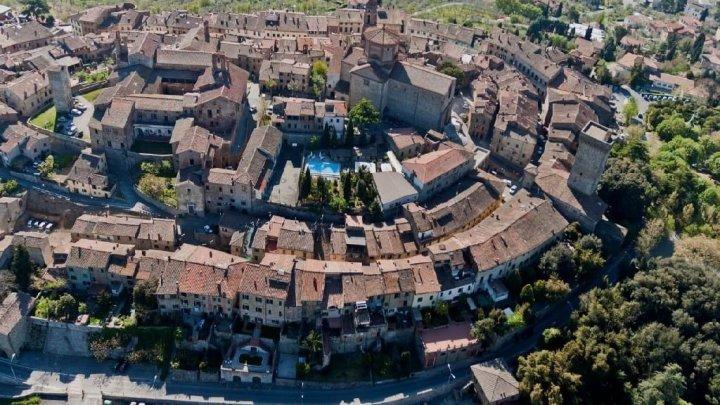 Lucignano: nel cuore della Valdichiana uno splendido esempio di urbanistica medievale