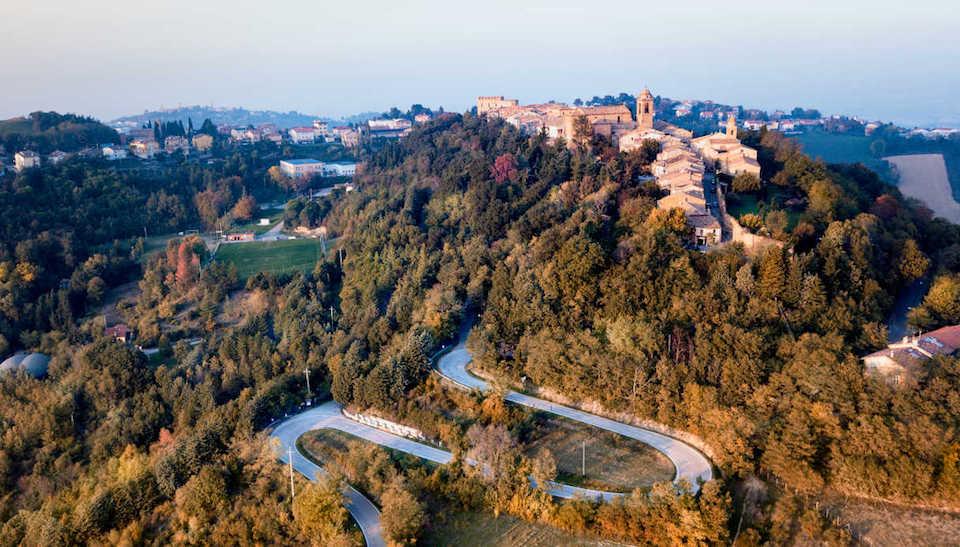 Mondaino: bellissimo borgo arroccato al confine tra Marche ed Emilia Romagna