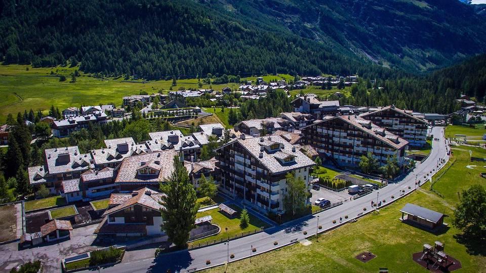 Splendidi paesaggi naturali e una grande varietà di attività all'aria aperta: è La Thuile in Valle d'Aosta