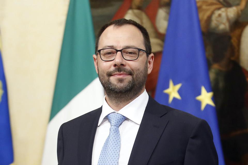 Ministro Patuanelli: tutelare il patrimonio enogastronomico italiano una priorità per il Governo