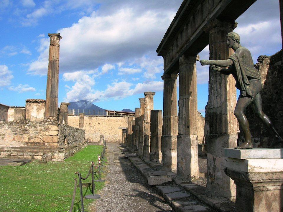 Il Tempio di Apollo nel cuore degli scavi di Pompei