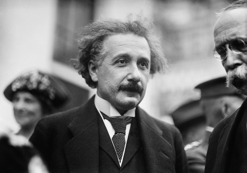 Albert Einstein, fisico simbolo del Novecento tra Pavia e Milano