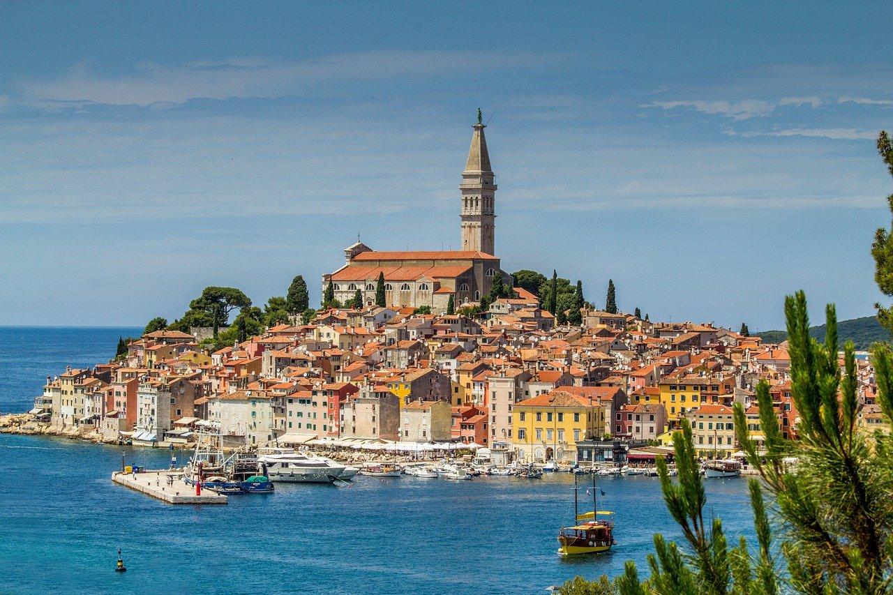 L'insolita storia del dialetto istriano