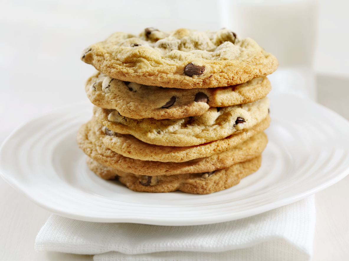 Chocolate Chip Cookies and Milk seem like a nice way to lose weight; check out this diet cookie review from Personal Trainer Food.