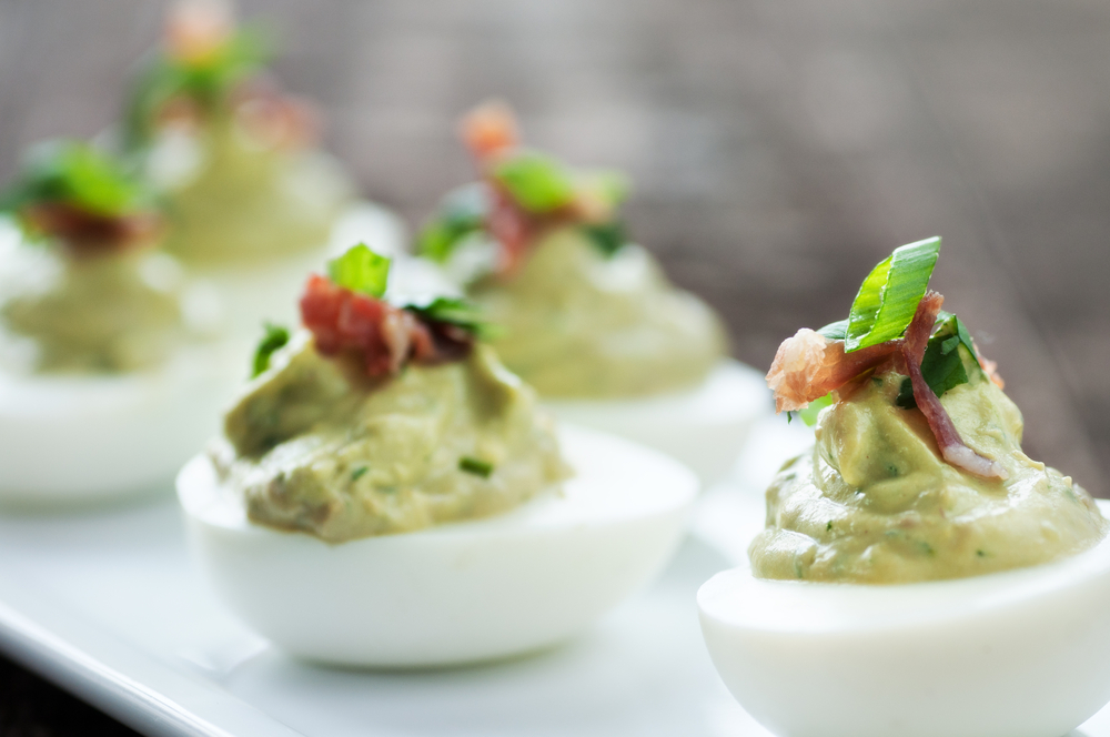 Mouth-watering bacon and jalapeno deviled eggs is the Personal Trainer Food way to lose weight as you enjoy the Super Bowl!