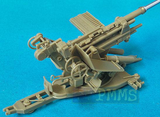 Tamiya 35302 German 37cm Flak 37 Antiaircraft Gun wCrew