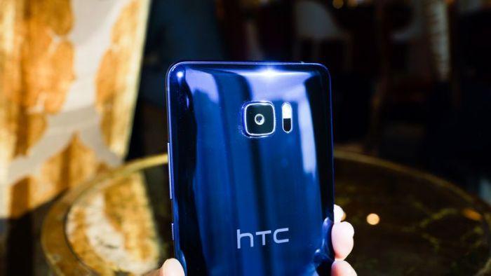 El HTC U Ultra ya se vende en EEUU y puedes comprarlo desde Perú
