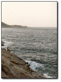 Tecniche di Rock Fishing pescare in mare dagli scogli