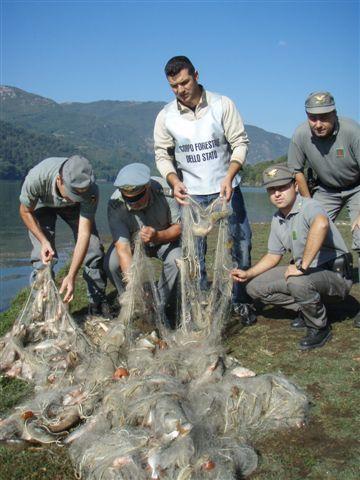 Sequestro reti al Lago del Salto prime foto  PESCAREonlineit