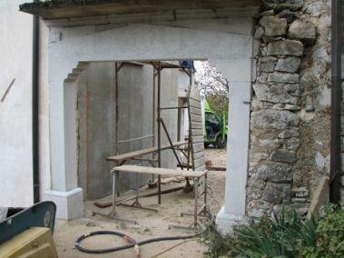 Peskanje raznih kamnitih izdelkov, zidov in betonskih površin